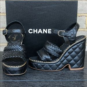 Chanel Black & Gold Chain Sandals 15P Size 37